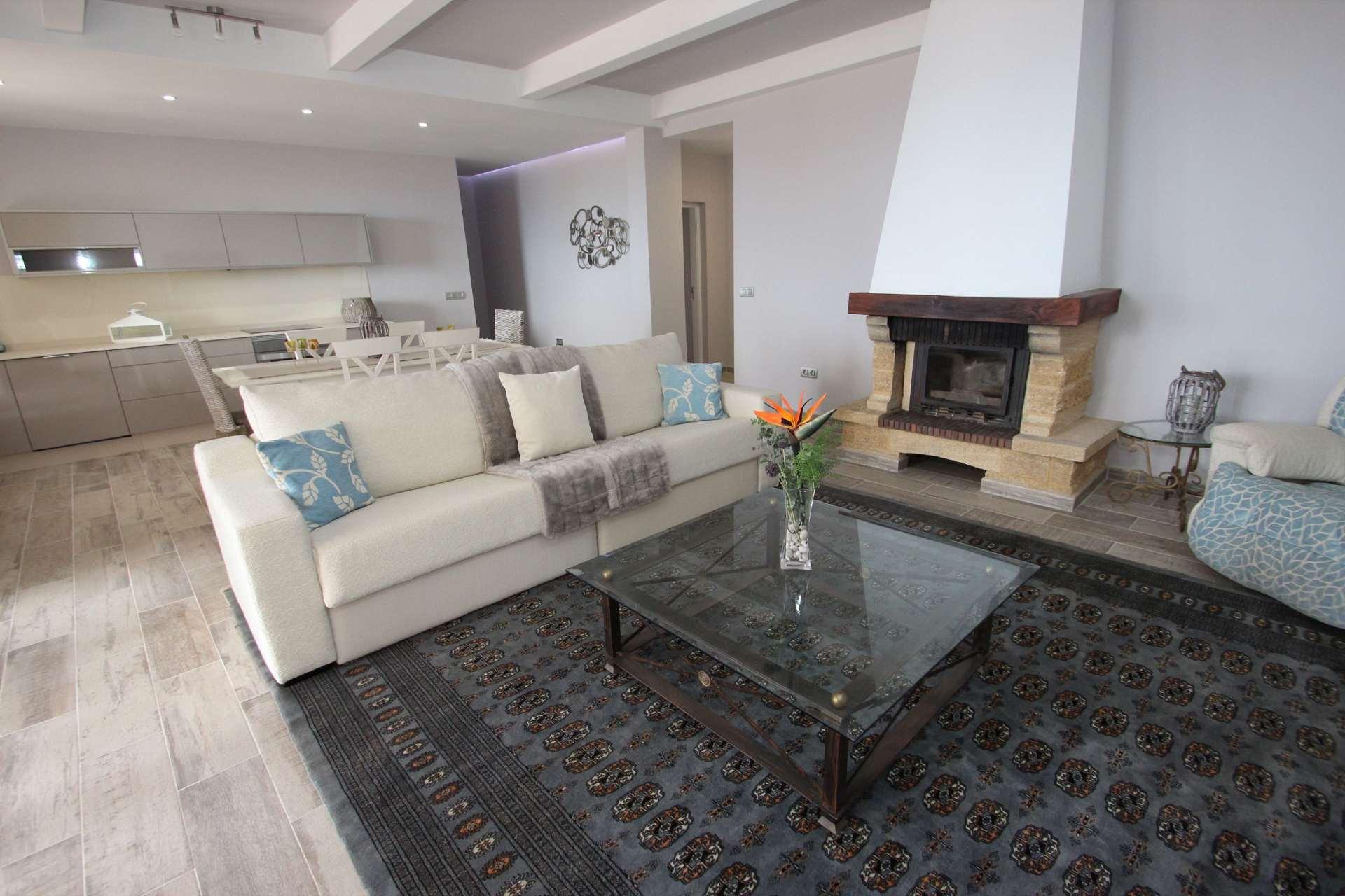 herrenhaus herrenhaus teneriffa s d. Black Bedroom Furniture Sets. Home Design Ideas