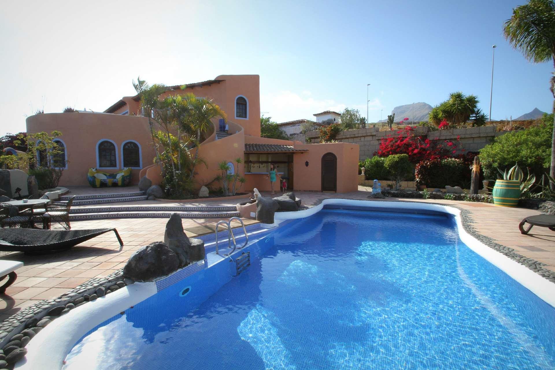 Pool-Landschaft für die Gäste der Villa